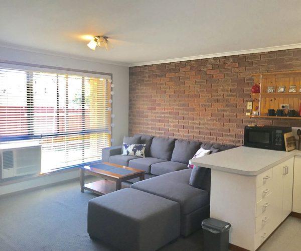 2/733 Lavis Street East Albury, NSW